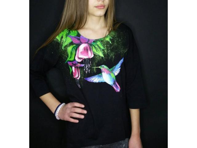 Трикотажные футболки с ручной росписью
